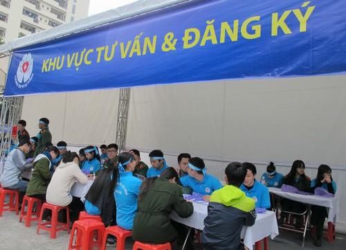 ky-luc-hang-nghin-nguoi-dang-ky-hien-mo-tang