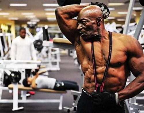 Năm nay đã hơn 70 tuổi, nhưng Bryant  vẫn tập gym hằng ngày và thực hiện một chế độ dinh dưỡng hợp lý.