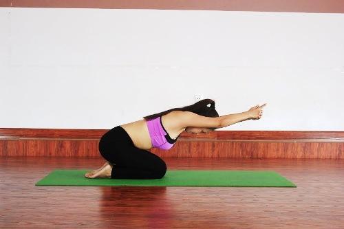 6-bai-yoga-giu-am-co-the-khi-troi-lanh-gia-4
