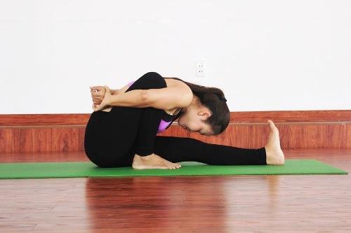 6-bai-yoga-giu-am-co-the-khi-troi-lanh-gia-5