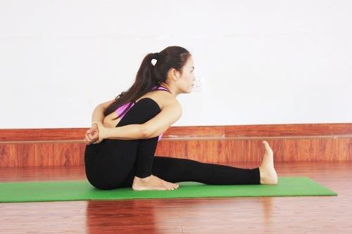 6-bai-yoga-giu-am-co-the-khi-troi-lanh-gia-6