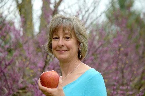 Bác sỹ Patty Lammatteo khuyên nên tập cho trẻ ăn thực phẩm tươi từ khi còn bé