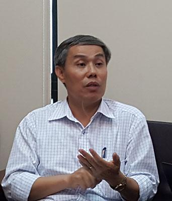 tam-ngung-luu-thong-30-tan-ca-nuc-nhiem-doc-phenol-cho-kiem-nghiem-lai