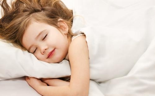 Mẹo giúp bé ngủ ngon để phát triển chiều cao, trí não - VnExpress Sức khỏe