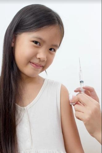 Trẻ trên 12 tháng tuổi nên tiêm ngừa thủy đậu.