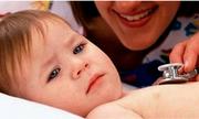Lưu ý khi dùng kháng sinh cho trẻ viêm phế quản