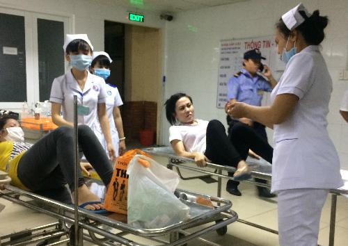 Công nhân đang được theo dõi, cấp cứu tại Bệnh viện Đa khoa tỉnh Bình Dương.