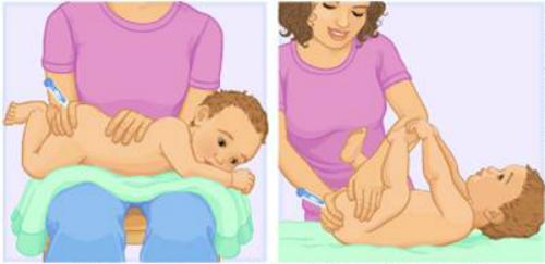 Để trẻ nằm sấp hoặc ngửa khi đo nhiệt độ.