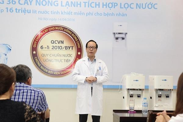 Phó GS Trần Minh Điển  Phó GĐ Bệnh viện Nhi TW phát biểu trong buổi Lễ bàn giao
