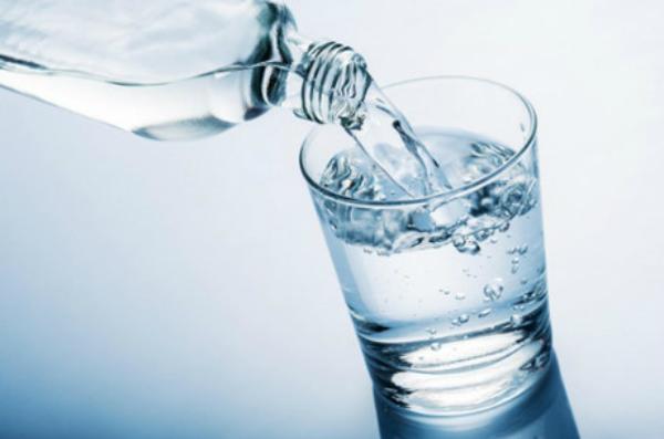 Uống nước vào buổi sáng, những nếp nhăn trên mặt giảm đi đáng kể, da trông khỏe mạnh, rạng rỡ hơn rất nhiều