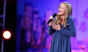 Cô bé 13 tuổi 'Got Talent' nghẹn ngào hát tặng người cha bị ung thư