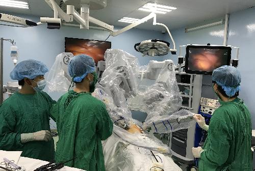 Bệnh nhân được phẫu thuật ung thư dạ dày. Ảnh: T.P