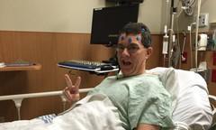 Ông bố thoát khỏi 98 khối u não dù tiên liệu chỉ sống được 6 tuần