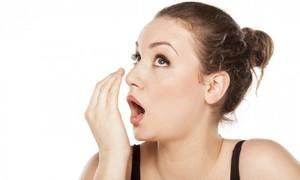 6 cách tự kiểm tra hơi thở có mùi