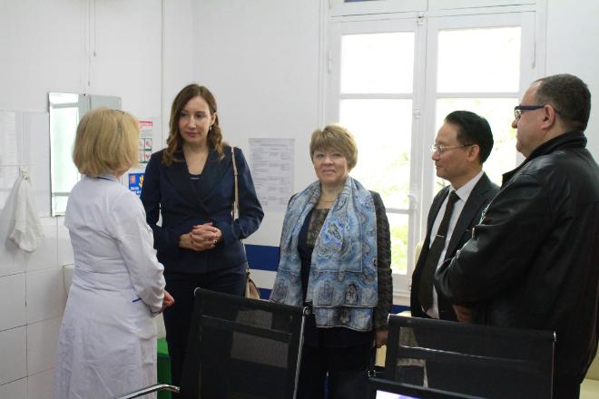 Ông Dương Chí Kiên - Chủ tịch bệnh viện tiếp đónThứ trưởng Bộ Y tế Nga vàVụ trưởng Vụ Hợp tác Quốc tế.