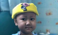 Mẹ Hà Nội rong ruổi trên đất Thái chữa ung thư cho con
