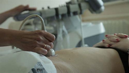 Chẩn đoán sai thai chết lưu, bác sĩ bị kỷ luật phải ngồi bàn giấy