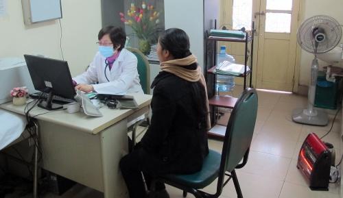 Hà Nội rét đậm, bệnh viện Bạch Mai vắng bệnh nhân khám