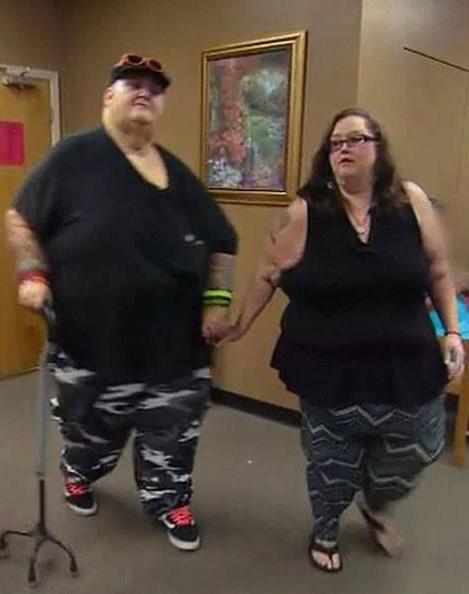 Đôi vợ chồng lần đầu được động phòng nhờ giảm gần 300 kg