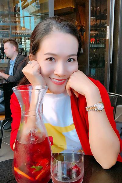 Nữ CEO của hệ thống giáo dục Mathnasium Việt Nam nổi tiếng là người phụ nữ giỏi giang trong kinh doanh, tinh tế trong giao tiếp và sở hữu vốn hiểu biết rộng.