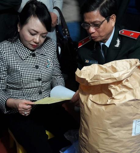 Bộ trưởng Y tế yêu cầu siết chặt quản lý an toàn thực phẩm Tết