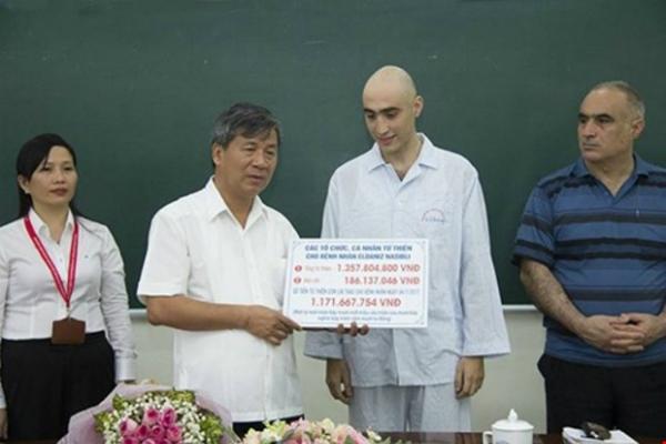 Bức thư tri ân Việt Nam của bố chàng trai Tây ung thư