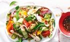 Cách làm salad gà giàu protein