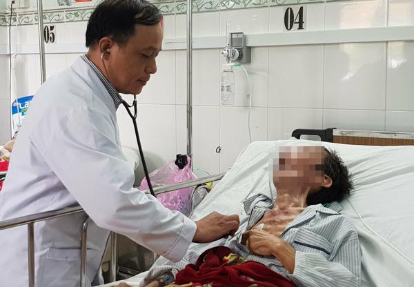 Bệnh nhân vẫn đang điều trị tại viện. Ảnh: Lê Phương.