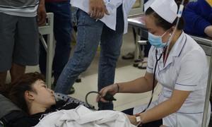 Hàng trăm công nhân nhập viện sau bữa cơm trưa