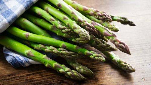 Chất asparagine trong măng tây bị nghi kích thích ung thư phát triển. Ảnh: BBC.