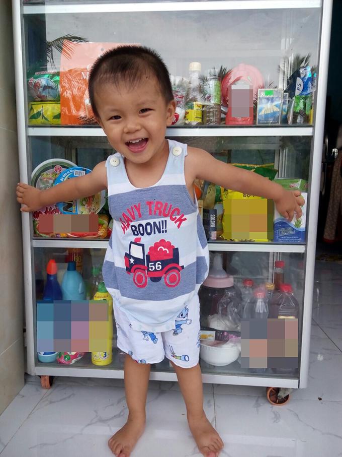 Cậu bé bị đâm xuyên não khỏe mạnh đón Tết ở tuổi lên 3