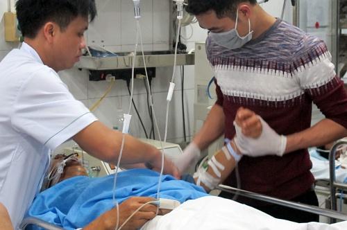 Một trường hợp tai nạn giao thông cấp cứu tại Bệnh viện Hữu nghị Việt Đức (Hà Nội). Ảnh: Nam Phương.