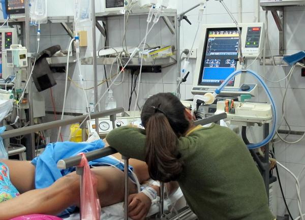 Bệnh nhân vào cấp cứu trong Tết chủ yếu do tai nạn giao thông, 60% có cồn trong máu. Ảnh: Nam Phương.