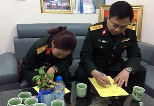 Vợ chồng anh Hải và chị Hiền đăng ký hiến tạng. Ảnh: Trung tâm điều phối ghép tạng Quốc gia cung cấp.
