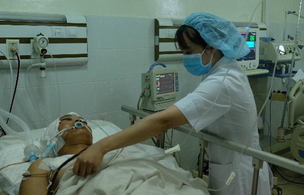 Bệnh nhân được điều trị tại Bệnh viện Quân y 175. Ảnh: H.H