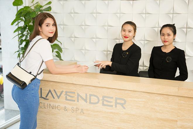 Đầu năm, Nữ hoàng nội y Ngọc Trinh cũng đến địa chỉ làm đẹp ruột để tút lại nhan sắc, trong đó có trẻ hóa da bằng liệu trình ThemageLiên hệ hotline 090 230 8888 để trải nghiệm Thermage năm 2018 tại Viện thẩm mỹ Lavender - địa chỉ trẻ hóa da của nhiều mỹ nhân showbiz.
