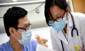Nữ bác sĩ Hà Nội 5 năm trực chiến cấp cứu