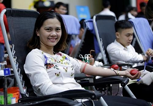 Lễ hội Xuân hồng là sự kiện hiến máu lớn trong năm do Viện Huyết học - Truyền máu Trung ương khởi xướng từ năm 2008 và được Ban Chỉ đạo quốc gia vận động hiến máu tình nguyện chỉ đạo, nhân rộng trên toàn quốc từ năm 2010.