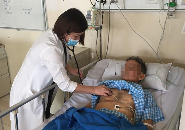 Người bệnh hồi phục và được theo dõi tại khoa Hồi sức Cấp cứu. Ảnh: D.P