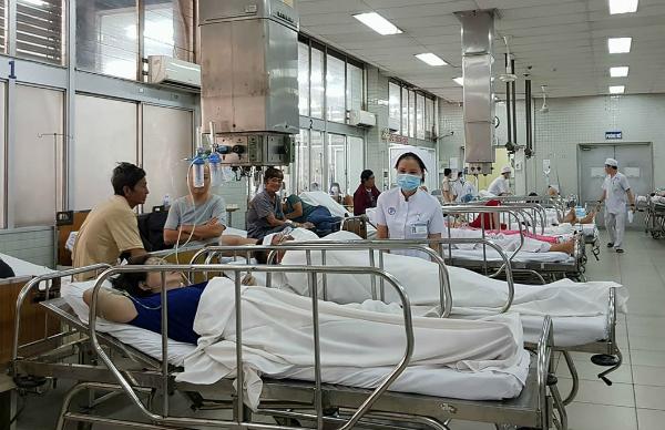 12 người cấp cứu tại Bệnh viện Chợ Rẫy. Ảnh: L.P