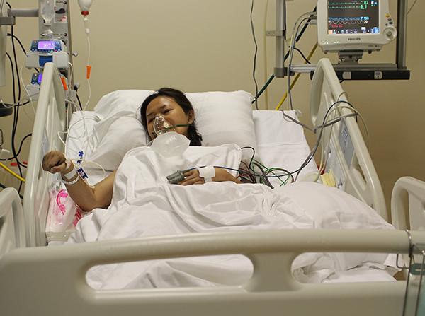 Bệnh nhân cấp cứu tại Bệnh viện Quốc tế City. Ảnh: M.T