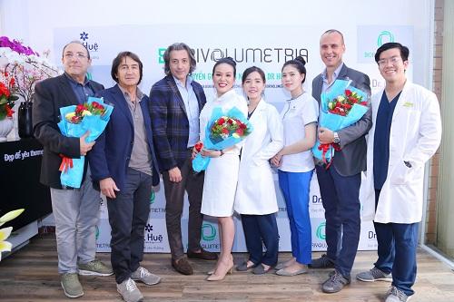 DR Huệ nhận chuyển giao công nghệ trẻ hóa làn da Biorivolumetria của Italy - 1