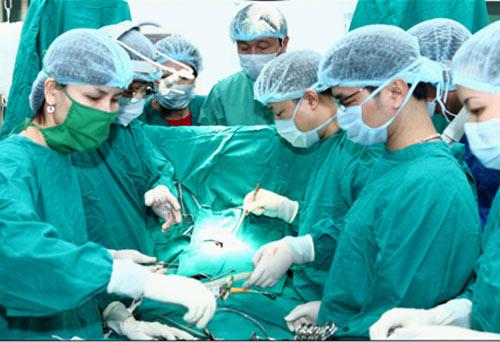 Nhiều kỹ thuật y tế hiện được thực hiện ngay ở tuyến dưới. Ảnh: Hồng Kỳ.