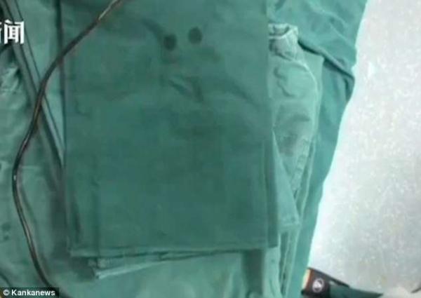 Người đàn ông nhập viện vì dùng dây cáp điện chữa ngứa bộ phận sinh dục