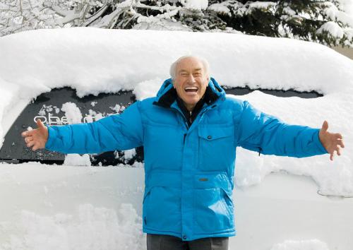 Klaus Obermeyer tràn đầy sức sống ở tuổi 98. Ảnh: MH.