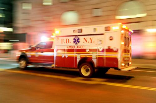 Nữ bệnh nhân bị tấn công tình dục trên xe cấp cứu