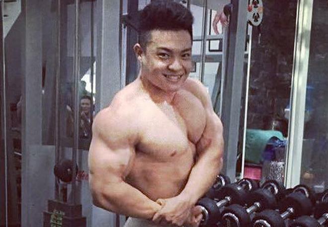 Chàng trai Sài Gòn nặng gần 100 kg khổ luyện gym