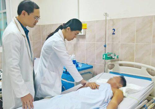 Người đàn ông bị đứt mạch máu sau cú ngã xe