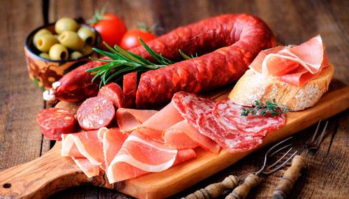 Dinh dưỡng không hợp lý là một trong những yếu tố làm gia tăng nguy cơ mắc ung thư. Ảnh: R.D.
