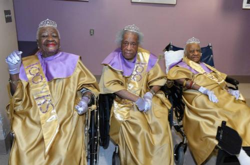 Cụ bà thọ trăm tuổi nhờ không lấy chồng